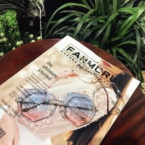 gradation design sunglasses
