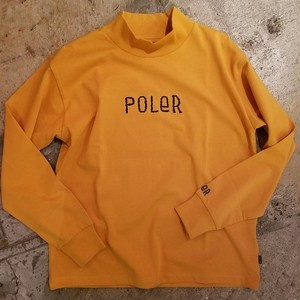 POLER OUTDOOR STUFF ポーラー 90's FURRY FONT EMB MOCK NECK マスタード