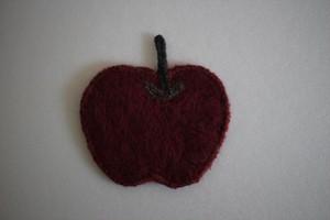 仲田梅佳|羊毛フェルトコースター りんご