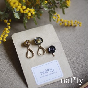 3piece mini  vintagebutton earring