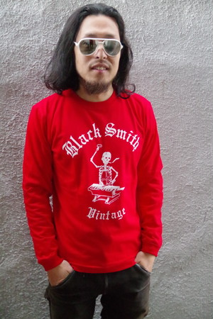 Black Smith ORIGINAL LONG SLEEVE T-Shirts(Red)