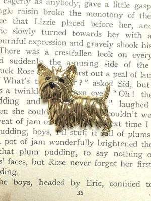【Run Rabbit Run Vintage】Terrier Dog brooch
