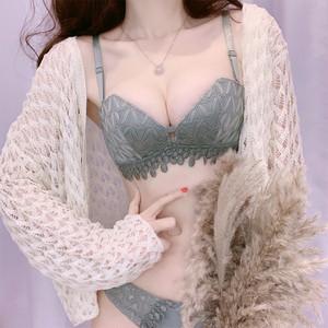 (ABカップ)【下着セット】セクシー刺繡ワイヤーなしブラ・ショーツセット21083082