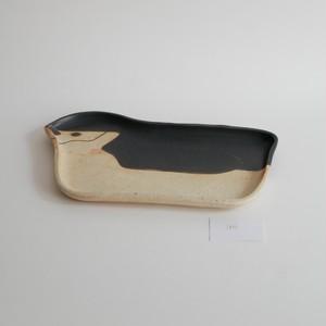 つぐみ製陶所 長皿 ヒゲペンギン