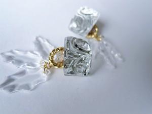 アイスリーフイヤリング vintage earrings horse bit <PE8 -L19>