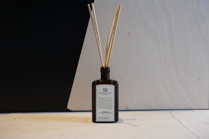 『APOTHEKE FRAGRANCE』reed diffuser