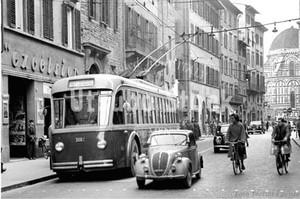 1958年撮影 イタリア フィレンツェ トラム クラシックカー【135195801】