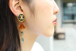 pierce/earring vintage brown