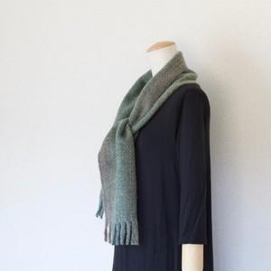 手紡ぎ手織りのマフラー〈しっかりタイプ〉(緑系)