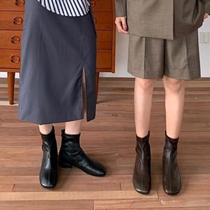 カラー豊富やわらかショートブーツ スクエアトゥ バックジップ ローヒール 合皮 革 黒 ブラック 白 ホワイト 茶 ブラウン カーキ 履きやすい 美脚 脚長 韓国