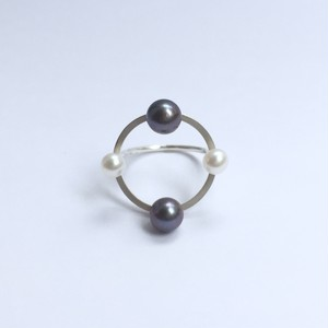 Four Pearls on Circle Ring - Silver