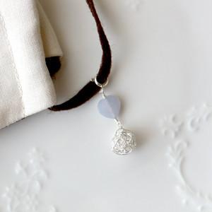 [silver999] ブルーカルセドニーのハートとクロッシェボールのチャーム