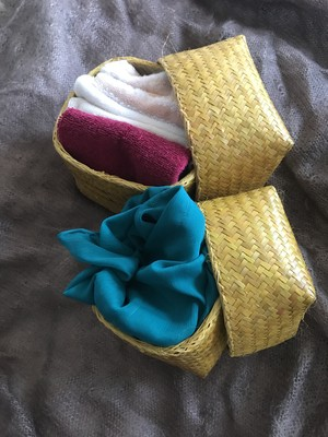Handmade from madagascar 水草で編んだ小物入れ 黄色