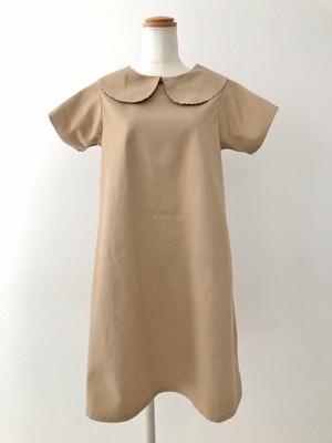 ライトブラウンと半袖の組合わせが上品なシンプルAラインの丸襟ワンピース 。一点もの 通勤 ビジネス 大人 コットン100% オールシーズン