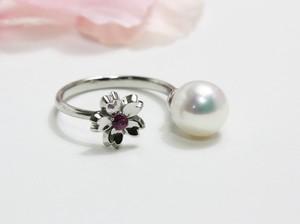 プラチナ製の桜と真珠のフォークリング