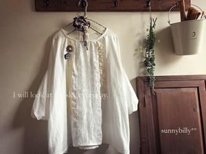 ●オフ白4種レースのバルーン袖プルオーバー●