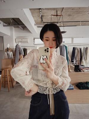 antique design blouse - floral & lace -