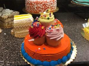 食/喜びの詰まったケーキを食べる権利