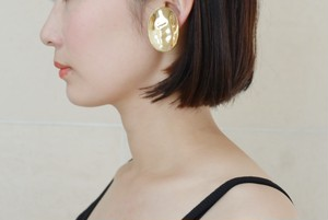 "malamute × somnium  ""crooked earring""gold"