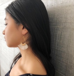 FRINGEPIERCE(BEIGE)【SALE】