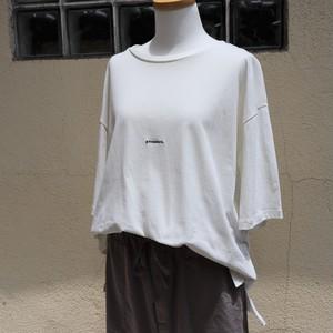 「JOHN BULL」ロゴ刺繡Tシャツ