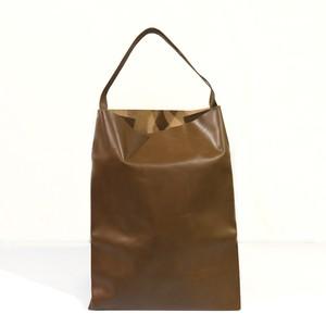 軽くて薄い牛革のバッグ L BAG DB(茶)