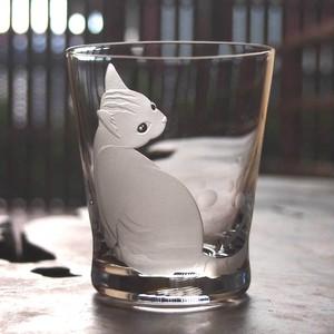 猫のロックグラス~「上目遣い」