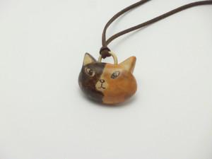 桂の猫ペンダント P1226
