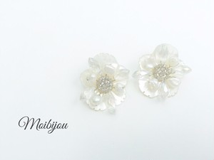 Shell flower earring*