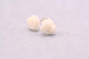 白珊瑚ローズピアス