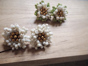 volume beads flower pierce/earrings