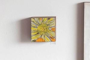 オオヤマネコ作品『花のかけら III』