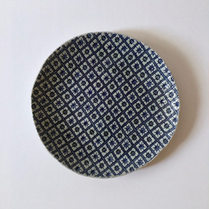幾何学模様の藍色のお皿|Indigo Plate with Geometric Pattern