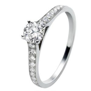 モアサナイト ダイヤモンド 1カラット 18k リング 指輪
