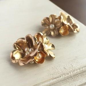 ヴィンテージブラス(真鍮)の花束ブーケピアス