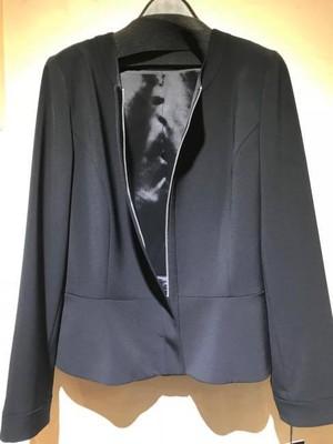 ストレッチ素材使用 ノーカラージップアップジャケット 黒