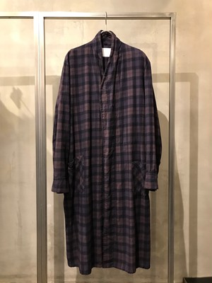 TrAnsference reshaped nel check gown - dark plum