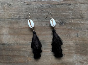 【14kgf】Shell×tassel earrings(black)