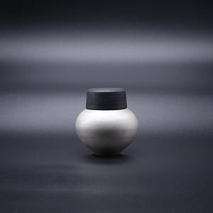 銀彩 茶入 【野田 里美】