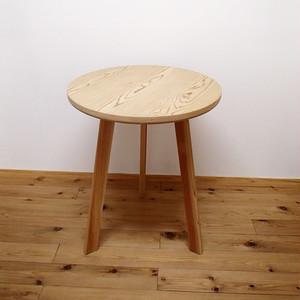 【百年杉】の丸テーブル