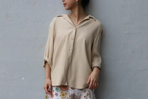 Open Collar beige shirts