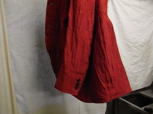 tail-worque linencoat / victorian red