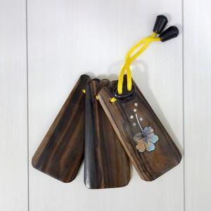 【送料無料】 三板 (さんば) カマゴン (縞黒檀) ハイビスカスの柄