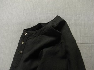 antiqued german linen shirt / black