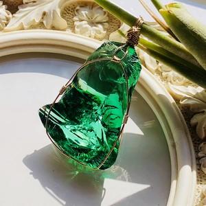 シエラネバダ産アンダラクリスタル★宝石質~Gem Emerald Sift~【世界で1つだけのアンダラペンダントトップ】