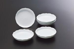 No.102【井上萬二窯作】白磁牡丹彫文皿