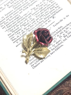 【Run Rabbit Run Vintage 】Rose brooch