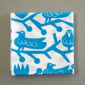 包めるハンカチ「鳥と木の実」