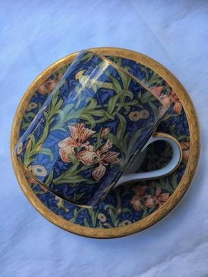William Morris(ウィリアム・モリス)ロンドンV&A美術館収蔵 カップ&ソーサー IRIS