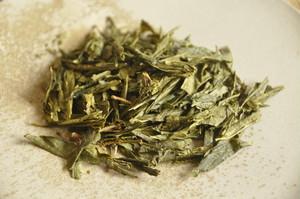 親子番茶 200年古樹 / 胸やけせずゴクゴク飲める 爽やかに香る緑茶